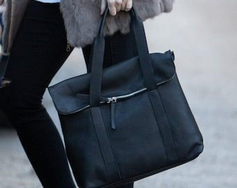 Leather satchel in black