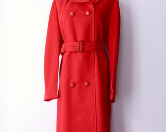 Vintage red rain coat. Bright red trench coat. 70s Bright rain coat. Red rain wear. Red Riding Hood. Twin Peaks coat. Skellerup NZ. Size L
