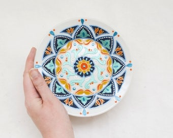 Small decorative plate Bohemia - Boho wall hangings - Hand painted plate - Floral plate
