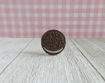 Oreo Cookie - Sandwich Cookie - Chocolate - Frosting - Bakery - Dessert - Apron Pin - Lapel Pin