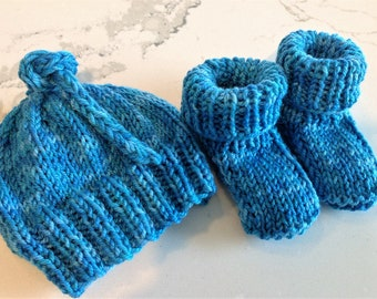 Baby Booties and Hat Set Handknit Blue Baby Booties & Hat Variegated Blue Baby Hat Booties Merino Wool Baby Hat Booties Multi Blue Baby Set