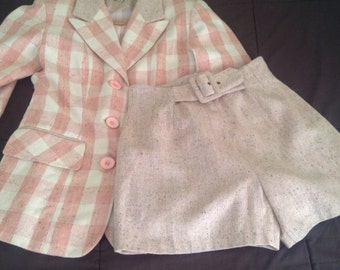 vintage two pieces set.Pink plaid  Blazer & short. Size small