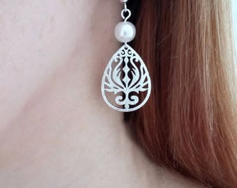 Silver earrings with a bead earrings