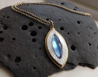 Vintage Diamond Shaped Pendant Necklace