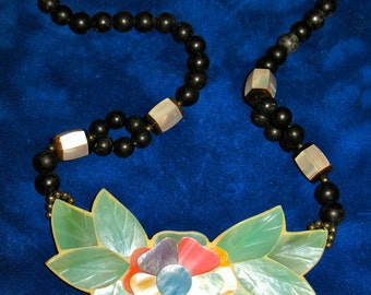 Vintage Layered Inlay Floral MOP Necklace Abalone Mother of Pearl Lee Sand