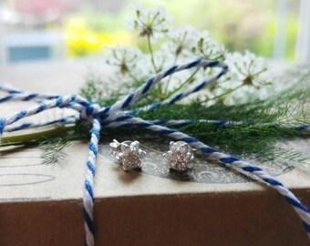 CRYSTAL FLOWER EARRINGS - 925 Sterling Silver Earrings // Delicate Earrings // Crystal Jewelry // Mother's Day Gift // Dainty Jewelry