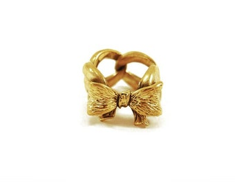 Bow tie ring '