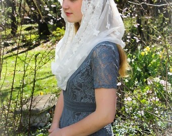Evintage Veils~ Our Lady of Guadalupe Cream White Embroidered  Lace Chapel Veil Mantilla Infinity or D Shape Latin Mass