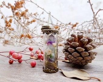 Terrarium necklace, botanical jewelry, terrarium moss, real flower necklace, fluorite necklace, glass terrarium, gift for her