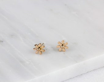 Tiny Daisy Earrings/ Rose Gold Daisy/ Gold Daisy Earring/ Tiny Daisy Studs/ Gold Daisy Studs