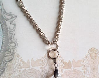 Necklace Eusébie.  Stellaris crystal droplet with short chain. Tx included.