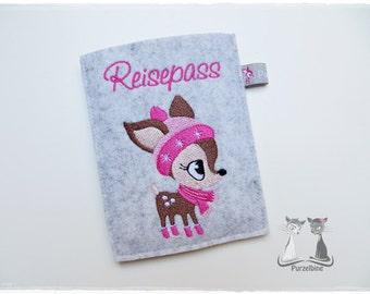 Pink Passport cover made of wool felt - snow Kitz-