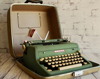 Typewriter Royal Quiet Deluxe Restored 1950s, Sea Foam Green, Portable Typewriter, Professionally Serviced, Includes New Ribbon and Manual