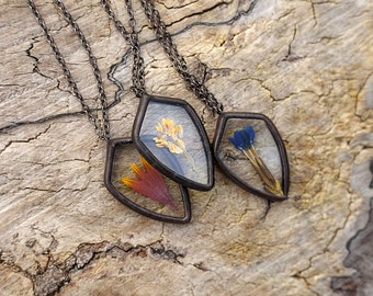Pressed flowers jewelry SPEAR ARMOR pendant stained glass necklace real flower jewelry
