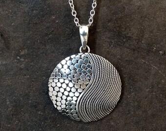 Silver Pendant, Silver Necklace, Silver Circle, Swirl Pendant, Geometric Pendant, Round Necklace, Sterling Silver, Silver Chain