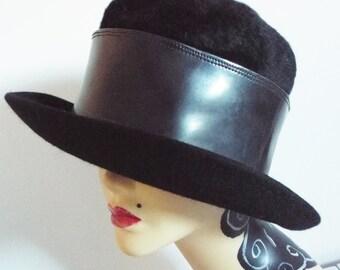 Vintage Ladies Hat  Black Wool Felt Brimmed Topper Hat with Very wide Patent Banding