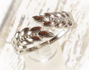 Beautiful Vintage 14K White Gold Leaf Ring Wedding Band, Negative Space Ring, US Sz 7