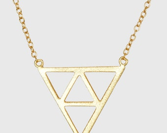 Triangle Necklace , Geometric Charm Necklace , Gold Triangle Chain , Triangle Pendant Necklace
