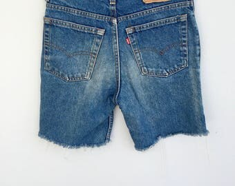 "Vintage 90s 610 Levi Shorts, Denimn Shorts, Cut Offs, Daisy Dukes, High Waisted Shorts, Blue Wash Denimn, Size 29"""