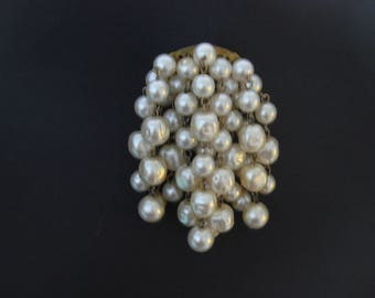 Vintage 1950s Cascade or Waterfall Faux Pearl Statement Brooch Pin