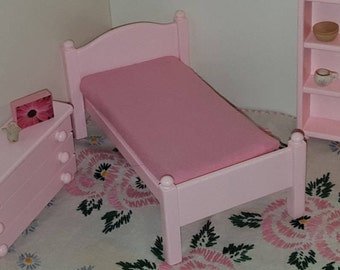 Pink 1:12 scale bed/ 1/12 scale doll bed/ 1/12 scale furniture/ 1/12 scale bedroom/ miniature bed/ 12th scale bed/ one inch scale bed