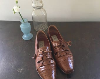 Vintage 80s-90s Joan & David Brown Leather Lace Up Spectator Oxford Shoes / Handmade in Italy / Women's Size US 7
