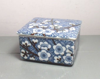 Vintage Japanese Ceramic Trinket Box/Blue and White Ceramic Trinket Box/Japanese Trinket Box/Prunus Pattern/Japanese Decor/Chinoiserie Decor