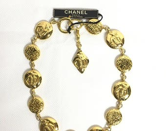 Chanel gold necklace. Chanel gold chain necklace. Vintage Chanel necklace. Chanel mademoiselle necklace. Chanel choker necklace.