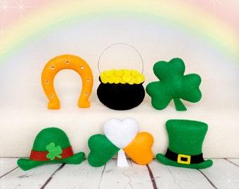 St Patricks Day Decorations Irish Gifts For Women Lucky Charm Leprechaun Hat Shamrock Felt Horseshoe Pot of Gold Irish Party Decorations