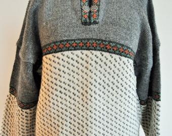 Vintage Norwegian Sweater / Norway pure wool / Women / Men / Silver clasp / Medium / M / Nordic / Scandinavian / Pullover / Grey / Winter