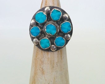 Vintage Sterling Silver Navajo Southwestern Style Carved Turquoise Circle Cluster Ring