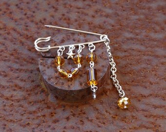 PIN brooch amber