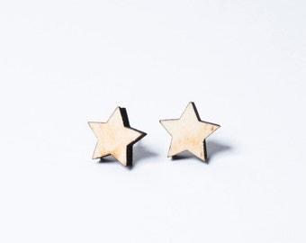 Earrings star made of wood