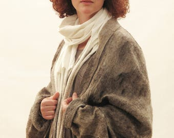 Felted scarf, Nuno felt scarf, Unique white scarf, Handmade, Boho, Merino wool scarf, Shawl, Wrap, White shawl, White wrap, Sciarpa bianca