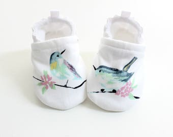 Hummingbird white shoes, baby shoes girl, soft sole, baby booties, toddler shoes, baby girl shoes, bird baby shoes