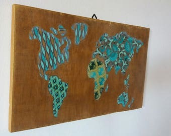 The MAPPAETNICO-planisphere in rice paper out of recycled wood