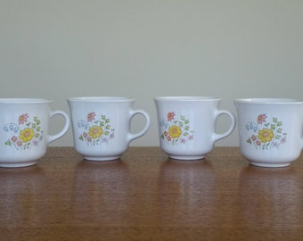 1970s CORELLE SPRING MEADOW Dinnerware Coffee Mugs / Cups- Set of Four - Tea Cups Dishes - Floral Pattern - Retro Kitchen - Vintage