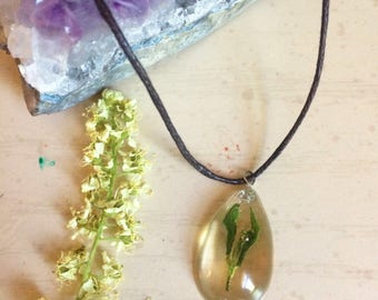 Green Plant Necklace