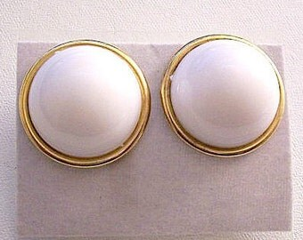 White Domed Bead Pierced Post Stud Earrings Gold Tone Vintage Hong Kong Rolled Extended Edge Discs Buttons