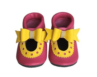 Leather Baby Sandals with Ribbon, Baby Shoes, Infant, Newborn Shoes, Nursery, Children Shoes, Pink, Yellow