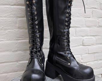Grunge rave cult black vintage Platform Boots from Demonia  1990s  US8 UK6