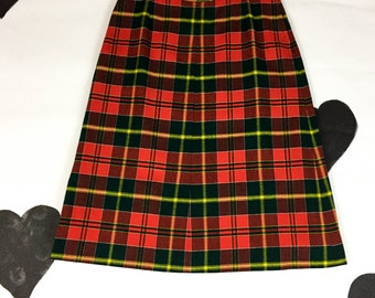 60's 70's wool Christmas plaid skirt 1960's classic red green lined knit skirt / ED BEHAN'S Tweed Shop / XL 32 inch high waist / plus size