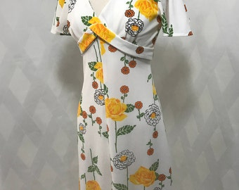 Vintage 1960s Mod Yellow Rose Floral Print and White V Neck Criss Cross Empire Waist Flutter Sleeve Maxi Dress with Ruffle