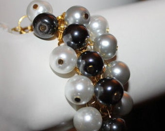 Gray Pearl Bracelet, Gray Pearl Jewelry, Gray Beaded Bracelet, Gray Beaded Jewelry, Jewerly with Gray Beads, Bracelet with Gray Beads, Gray