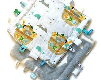 Baby Security blanket,blue animals taggie, lovey baby girl, tag blanket for boys, newborn gift,minky blanket, annaberrykids, free shipping