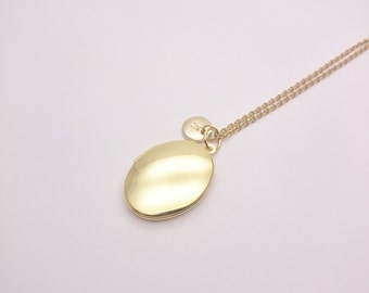 Personalized Gold Brass Oval Photo Locket Necklace gold surgical steel chain//Custom Monogram Locket//Initial Locket hypoallergenic