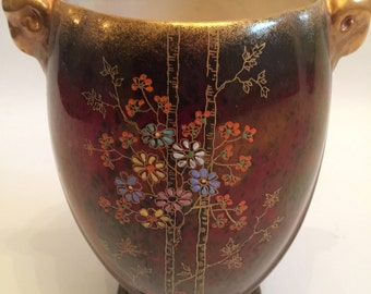 A Crown Devon Fieldings Vase