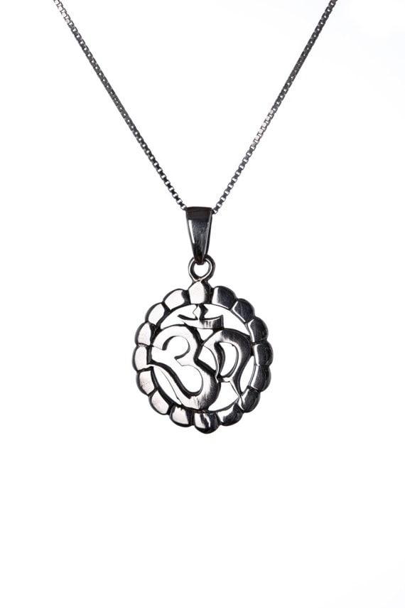Om Ohm Aum Circle Necklace, Sterling Silver, Hindu Om, Yoga Jewellery, Yogi Jewelry, Handmade, Gift box, Free UK Delivery