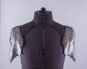 Scale Mail Shoulder Armor Pauldrons with Chainmail Choker