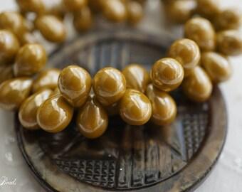 Majestic Drops, Teardrop Beads, Czech Beads, N2338